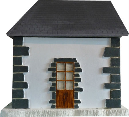 porte toit ard mur blanc